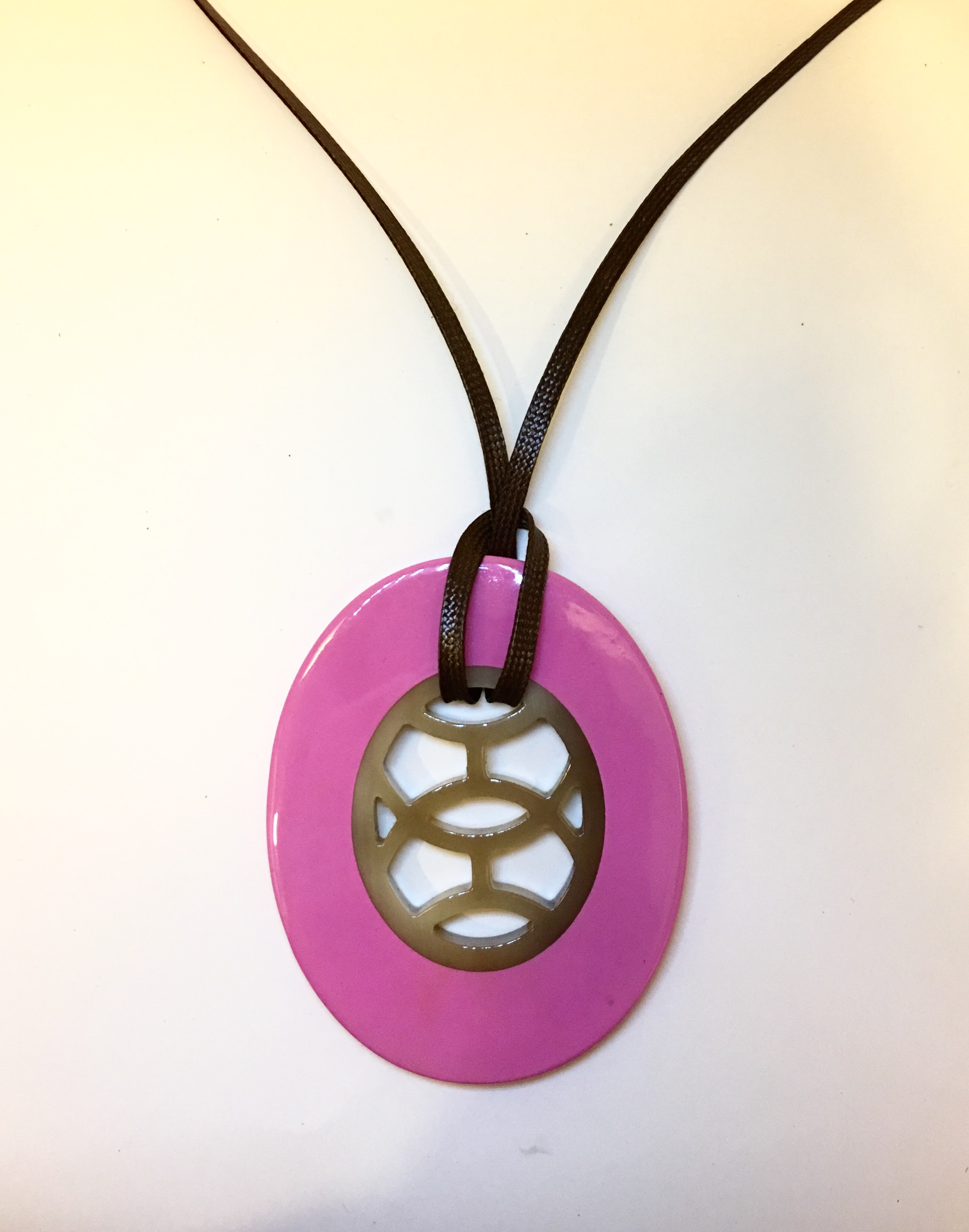 Buffalo Horn Lacquer Pendant Jewelry